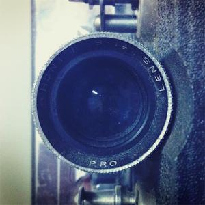 Moteur, action ! Avec cette application, donnez un air Vintage instantanément à vos videos, importez vos anciennes vidéos ou créez de nouvelles images au format Super 8mm.