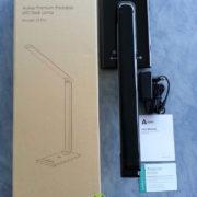 Test de la lampe LED de bureau Aukey avec chargeur USB pour smartphone